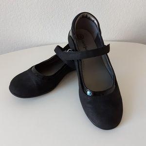 Cat & Jack girl's shoes flats sz 2